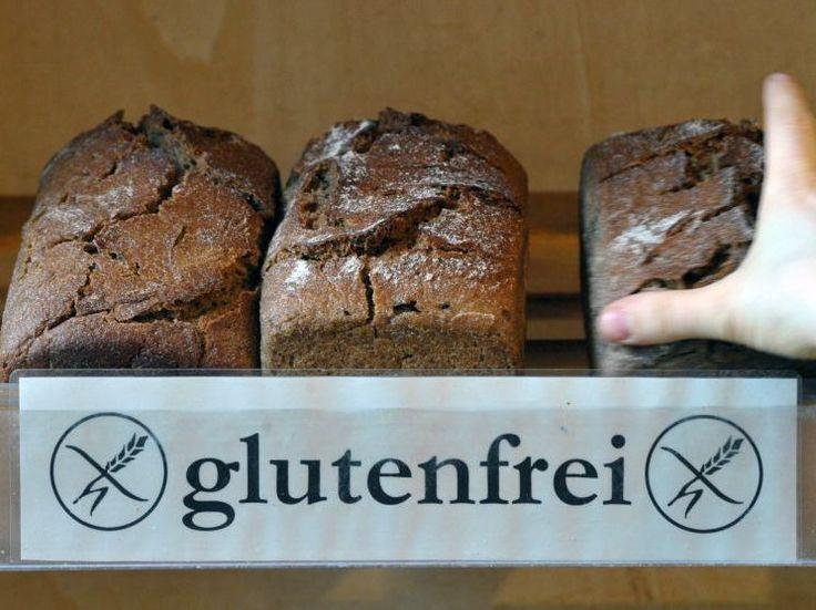 Glutenfrei einkaufen und essen in Berlin - Zu den Veganern und den Laktoseintoleranten kommen auch immer mehr Menschen, die Gluten nicht vertragen. Was das noch mal genau ist? Gluten ist ein Stoffgemisch aus Proteinen, das in gängigen Getreidearten wie etwa Weizen, Dinkel oder Roggen vorkommt. Gar nicht so einfach - so eine weizenfreie Ernährung. Deshalb haben sich in Berlin schon einige Bäckereien, Cafés und Lokale auf glutenfreie Kost spezialisiert. Eine Auswahl.
