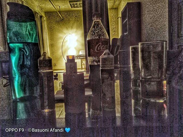 01 01 أحيانا نشعر أن حياتنا مليئة بالحيوية و صاخبة لكن فى لحظة تركيز نكتشف أننا وحيدين و حياتنا تشبه القصر المهجور الذى ليس له أبواب أو شب Candles Taper Candle