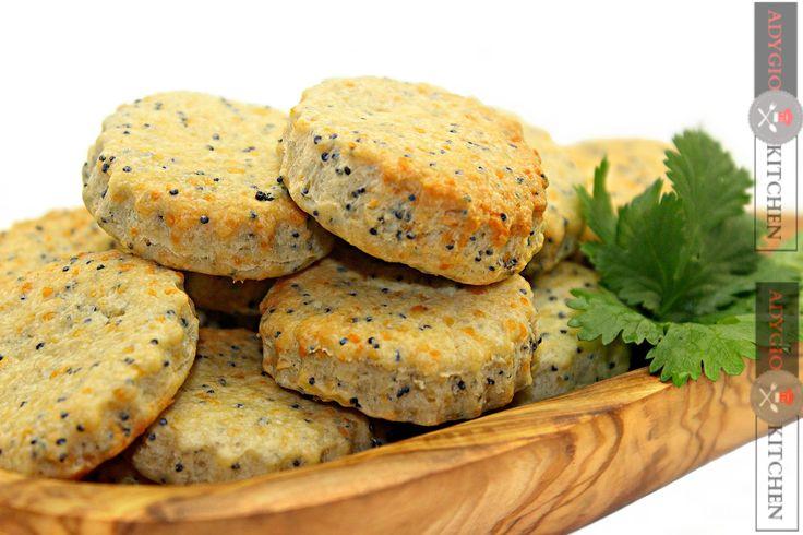 Reteta Biscuiti cu parmezan si mac - Adygio Kitchen #adygio #street food