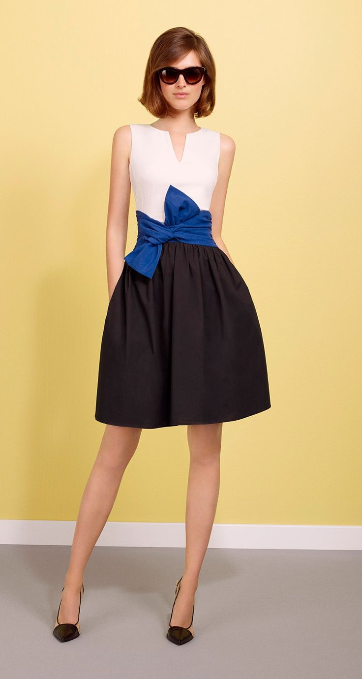 Paule Ka Sleeveless, dual-fabric dress in paper poplin and jersey. Top in cotton jersey, skirt in paper poplin. Contrast, non-removable waist tie belt. Back zip fastening. Length: 55 cm.