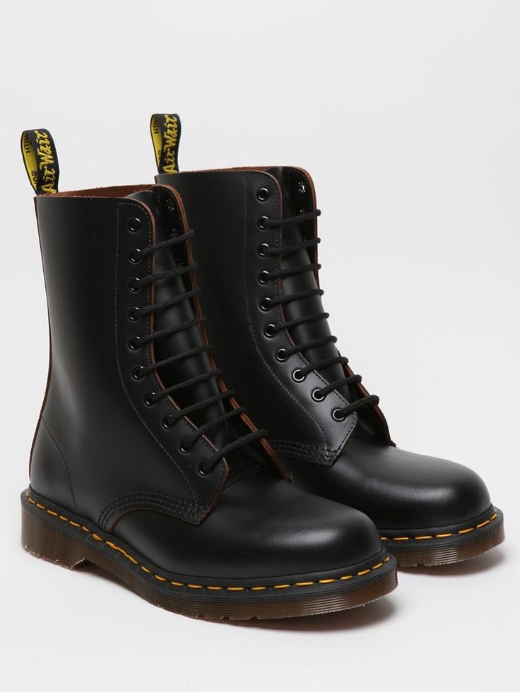 dr martens 1490 10 eye boot black looks