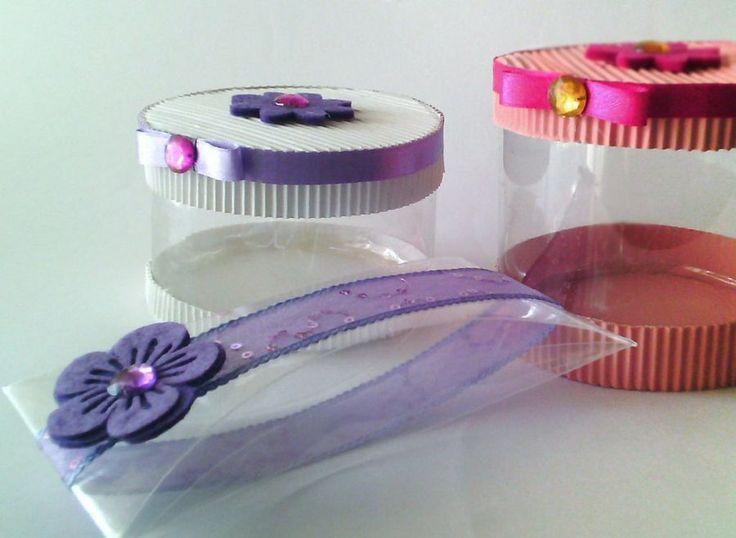 Cajas hechas con botellas de plástico - Reciclaje
