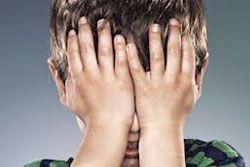 """Mal di scuola e mal di pancia  Perché alcuni bambini soffrono il """"mal di scuola""""?  Una possibile motivazione potrebbe essere la cattiva gestione delle emozioni, ovvero l'incapacità di riconoscere le proprie emozioni e di manifestarle in modo funzionale. In questo articolo, oltre ad essere spiegate le motivazioni vengono offerti degli spunti per porre rimedio.  http://www.davidealgeri.com/anticorpi-per-il-mal-di-scuola.html  #maldiscuola #cause #emozioni #psicologiapratica"""