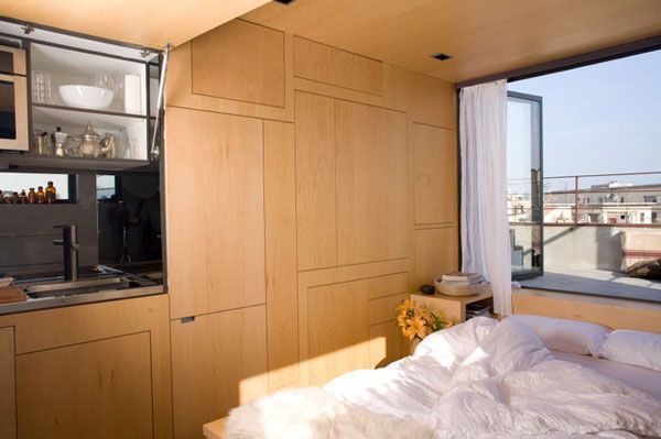 Lego-style 24 square meters apartment in Barcelona