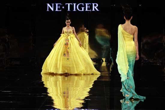 Uudistava antiikin Tang-dynastian glamouria Kiinan muotiviikolla - eBeijing.gov.cn