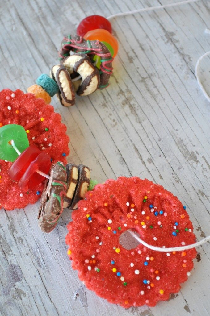 """Creative You!"" (Tuesday) Snack Necklaces Close Up"