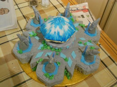 simple things to make and do: League Of Legends Nexus Cake