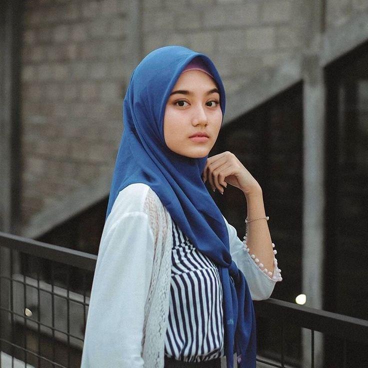 Dilekatkan (Dengan gambar) | Gaya hijab, Wanita, Kerudung