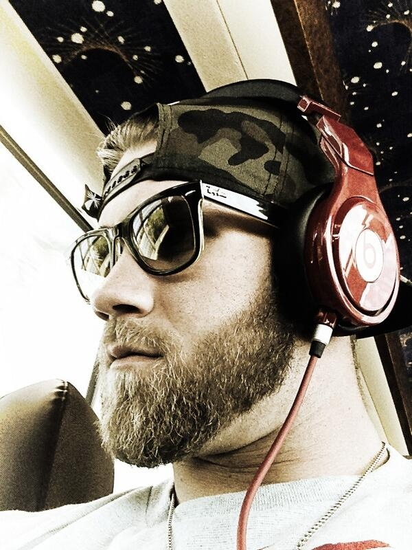Gotta thank @Beats by Dre Official Page for hooking me up with the red studio headphones! Sound incredible! #Red #BeatsArmy #Swag http://twitter.com/Bharper3407/status/316268492955463680/photo/1 via @Bryce Harper