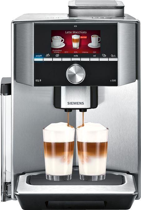 Siemens EQ9 TI905201RW  Siemens EQ.9 TI905201RW: dé volautomatische koffiemachine van Siemens! De Siemens EQ.9 serie is de stilste volautomatische koffiemachine van Siemens! Jouw koffie zo snel mogelijk en op je eigen manier in je koffiemok! De temperatuur van het water en de koffie is ook in te stellen op deze EQ9 TI905201RW. Wanneer hij bijgevuld moet worden wordt dit zeer op tijd aangegeven. De TI905201 komt met het coffeeSensor System: het maalsysteem past zich automatisch aan de…