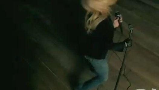 Vizionează filmul «Hilary Duff - So Yesterday» încărcat de Herbst Stefan pe Dailymotion.