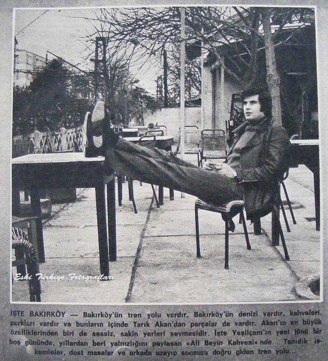 Tarık Akan, Bakırköy Tren Istasyonu altindaki kahvede, 1972 #bakirkoy #istanbul #tarikakan #oldphotos #oldistanbul #istanlook