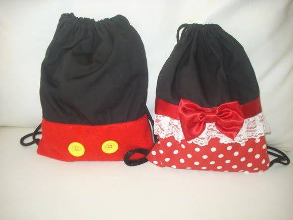 Mochila+infantil+tema+Mickey+e+Minnie.+Valor+referente+a+1(uma)+bolsinha.+Feita+em+tecido+100%+algodão.+Pode+ser+feito+em+outros+temas.+Consulte.+Pedido+mínimo+de+20+unidades. R$ 12,00