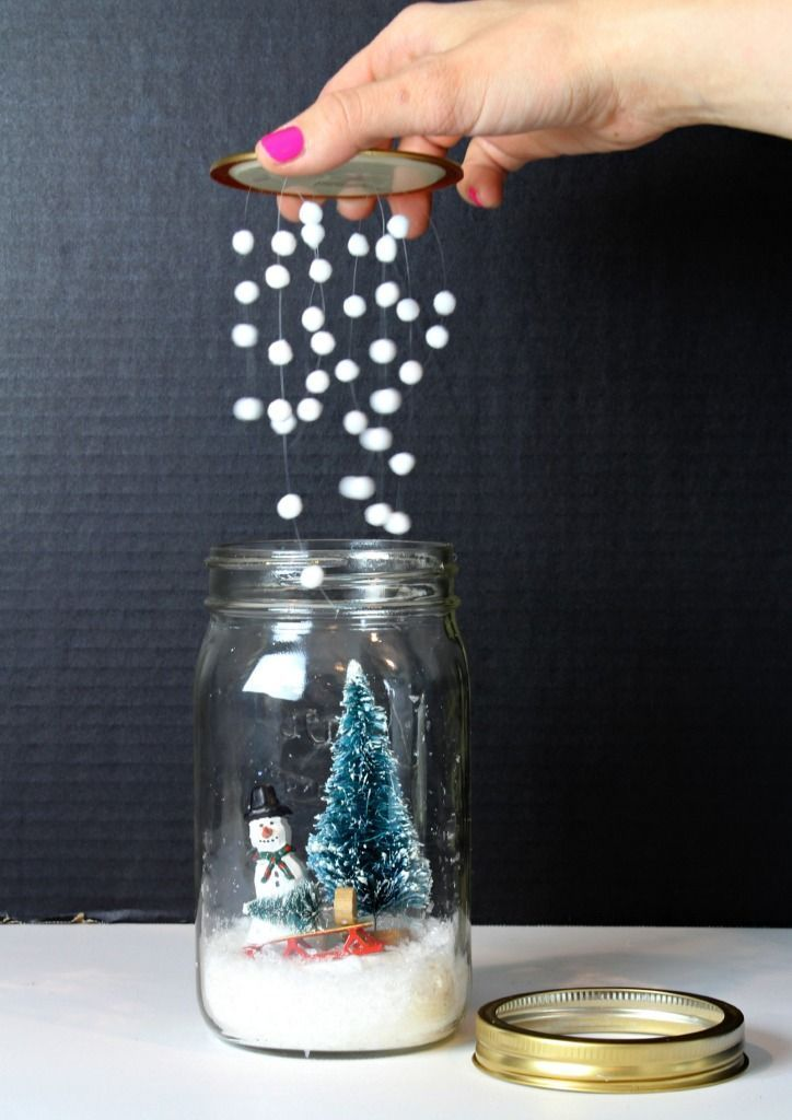 DIY Mason Jar Snow Globe - great gift idea!