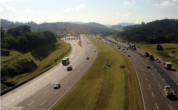 Rodovia dos Bandeirantes, considerada a melhor rodovia do Brasil pela Confederação Nacional do Transporte.