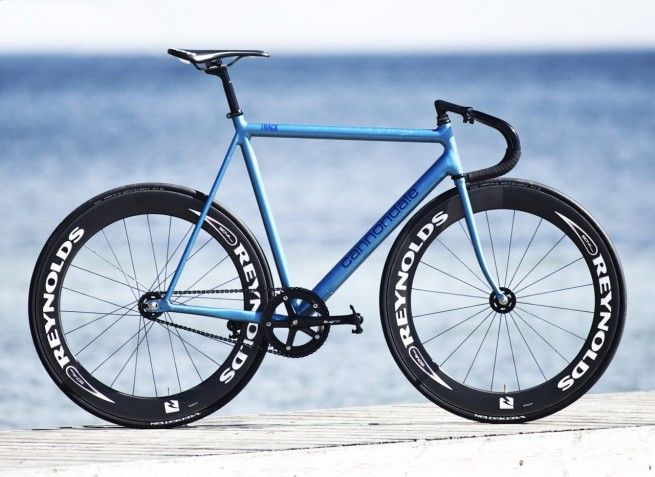 Nikolai Byskov's '92 cannondale track. the cdale track is my favorite frame ever.