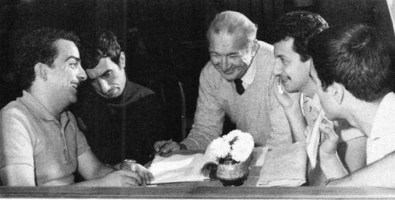 Haldun Taner, Ahmet Gülhan, Metin Akpınar ve Zeki Alasya 1967'de Devekuşu Kabare Tiyatrosu'nu kurmuştur...#istanbul #istanlook #tiyatro