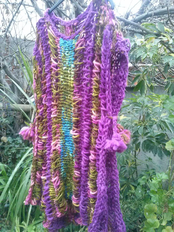 Poncho tejido a palillo lana rustica.