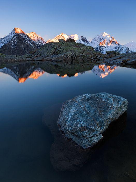 Alpenglow. Bernina. Grisons. Switzerland. / Alpenglühen am Bernina. Graubünden. Schweiz.