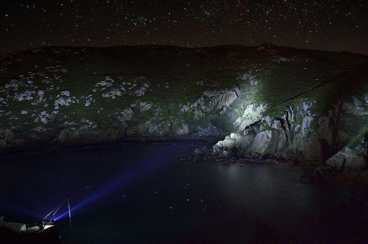 """""""Porto da Cova""""  Parte de las prácticas realizadas en el taller de fotografía nocturna y Lightpainting del Ateneo Ferrolán.  Iluminado con x21.R2 f/4 ISO 1600 30 """" 17 mm"""