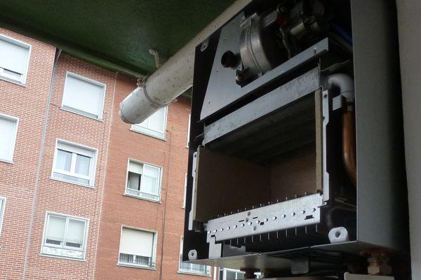Comienza la temporada de calefacción y con ello es conveniente recordar ciertos aspectos a tener en cuenta sobre el mantenimiento de instalaciones de calefacción, necesario para asegurar un correcto funcionamiento y rendimiento de los sistemas.