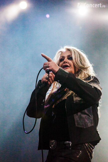 #BonnieTyler #live #music #bucharest #2012 #GaynorHopkins    www.the-queen-bonnie-tyler.com    Source: iconcert.ro