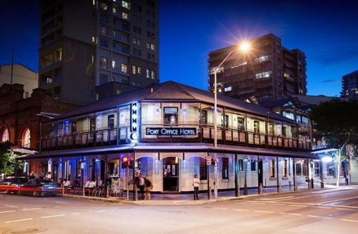 The Port Office Hotel, Brisbane, QLD is a beautiful historical landmark, located in the Brisbane CBD.  Renowned for its versatility, the Port Office consists of several individual and unique areas – an award winning Restaurant - Fix, and several bars. The Port Office also has private dining rooms available and an abundance of function facilities – catering for corporate events, Wedding Receptions, Working Lunches, Social club parties, Christmas events and more.
