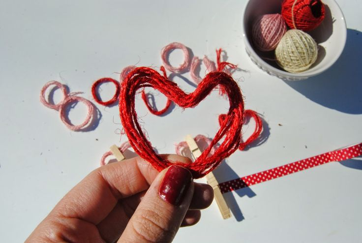 Dress up your door for Valentine's Day // thehungarican.blogspot.com //