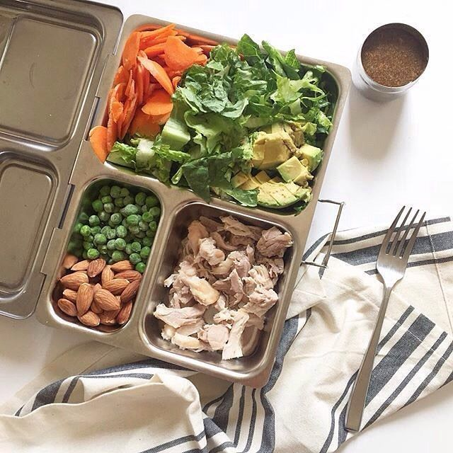 Lots of delicious, healthy snacks in the Launch box from @thewholefooddiary! Inside: + Chicken salad + Raw almonds + Peas + Sliced carrots + Avocado #planetbox #lunchbox #teamplanetbox #planetboxlunch #lunchboxlove #schoollunch #healthykids #school #foo