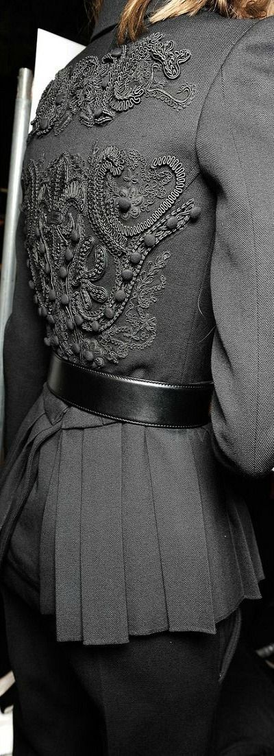 Design Outer Wear (Detailed ) | |Vera Wang SS 2015 RTW ♥✤ Backstage Fashion