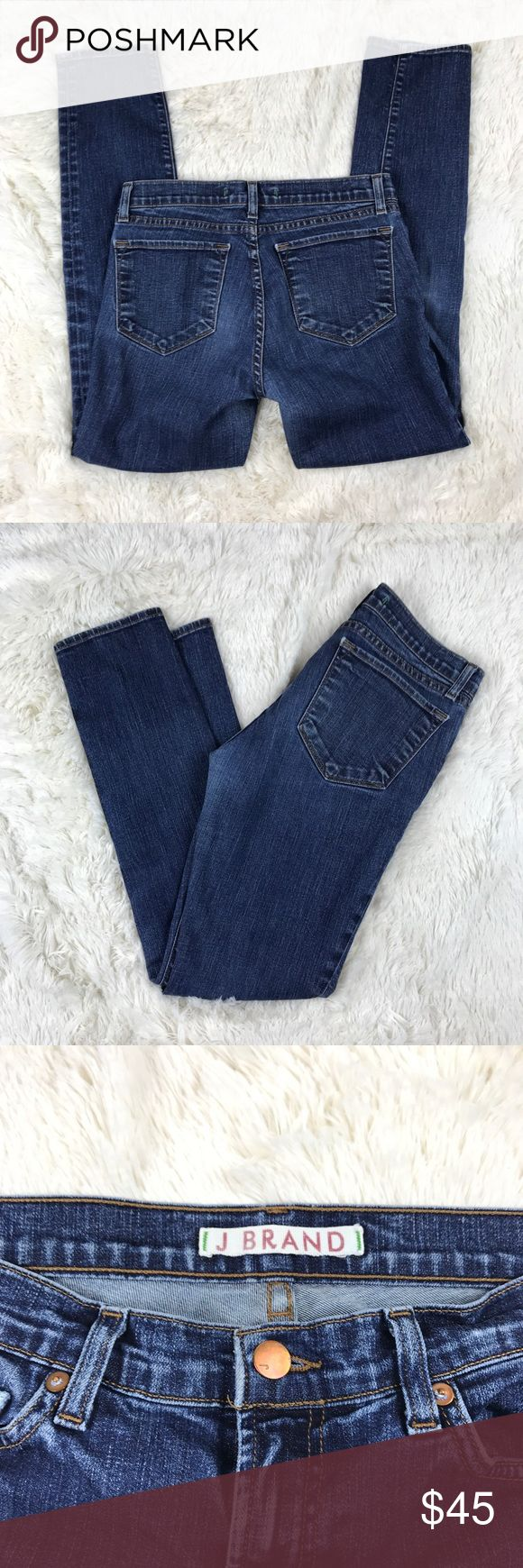 """J Brand Skinny Leg Pure Mid Rise Jeans 28 x 29 J Brand Women's Skinny Leg Pure Mid Rise Jeans 811 Womens Size 28 x 29 Stretch  Good used condition. No flaws or stains. See photos!   Waist laying flat - 15"""" Rise - 8.5"""" Inseam - 29"""" Leg Opening - 5 3/4""""  Materials - 92% cotton, 7% polyester, 1% spandex  All measurements approximate, taken un-stretched laying flat. J Brand Jeans Skinny"""