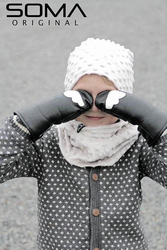 Childrens leather mittens  Black/White Cloud by somaoriginal