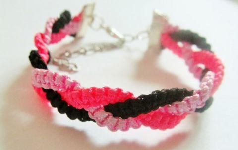 Fonott karkötő (Fekete-rózsaszín-pink)