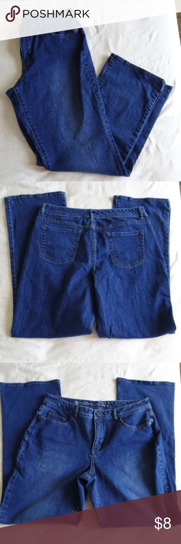 Worthington Natural Fit Bootcut Leg Jeans Price Drop Excellent condition. Waist and inseam measurements in pictures 5 pockets  zip fly  All items come from a non-smoking home Worthington Jeans Boot Cut