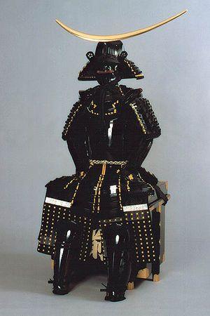 伊達政宗 「伊達男」の由縁を感じさせる黒を基調とした、重厚な鎧と兜。