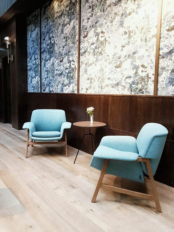 Mid-century touch of style at the lobby