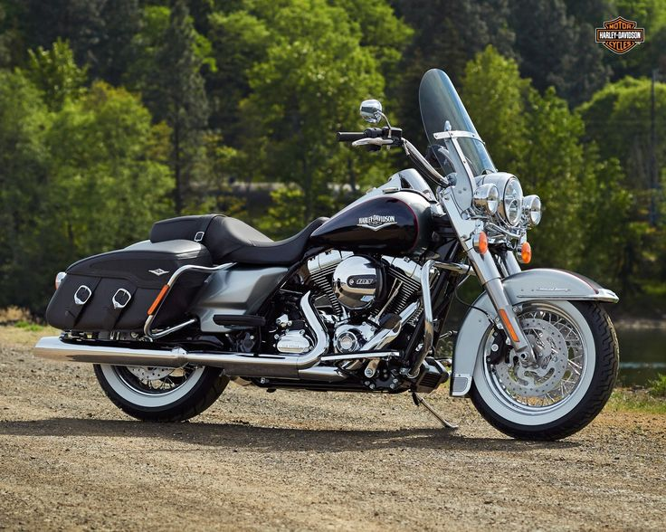 best 25 road king classic ideas on pinterest harley. Black Bedroom Furniture Sets. Home Design Ideas