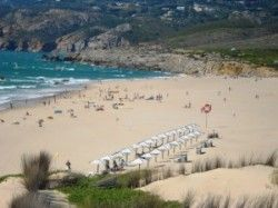 Photo: Guincho: the kitesurfers' beach | Lisbon: A capital city surrounded by beaches - via Portugal Daily View 26.06.2012 | Lisbon is one of the few European cities with beaches on its doorstep. PDV takes you on a tour of the 10 most beautiful beaches around Portugal's capital.