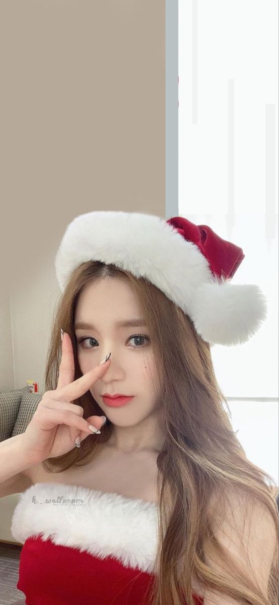 Christmas Loona Heejin Wallpaper