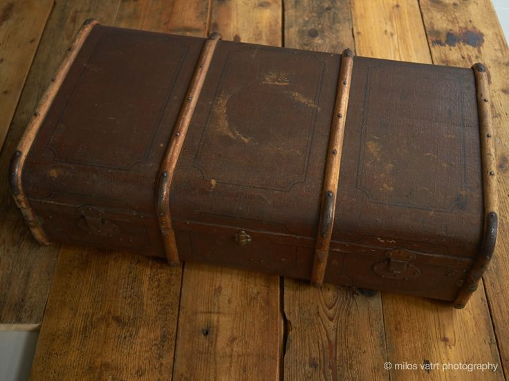 suitcase / vintage wooden floor / miloš vatrt photography / studio  / my studio decorations