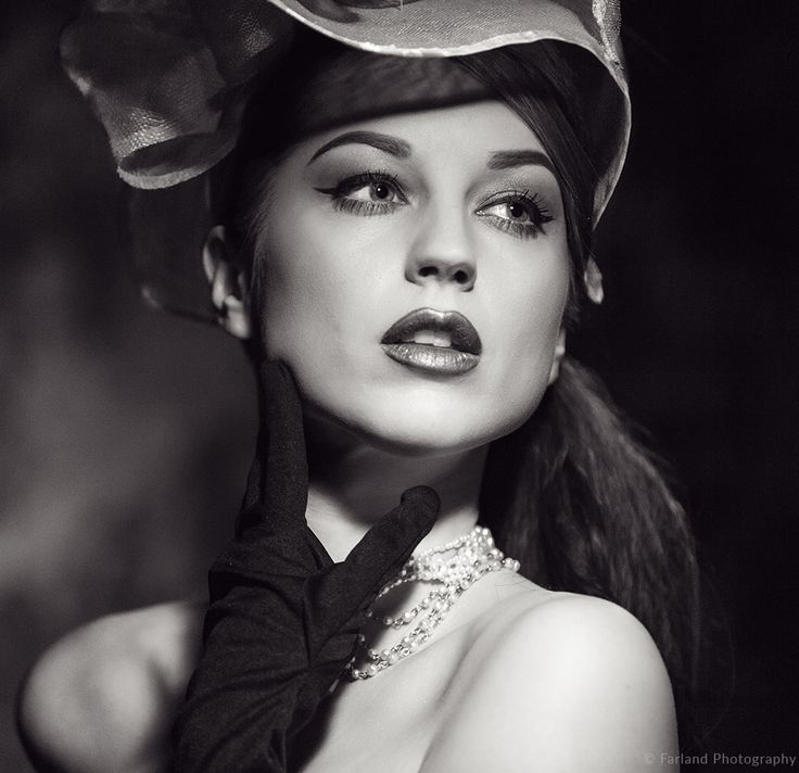 Jemma Funge modelling Hollywood Noir. By Richard Farland.
