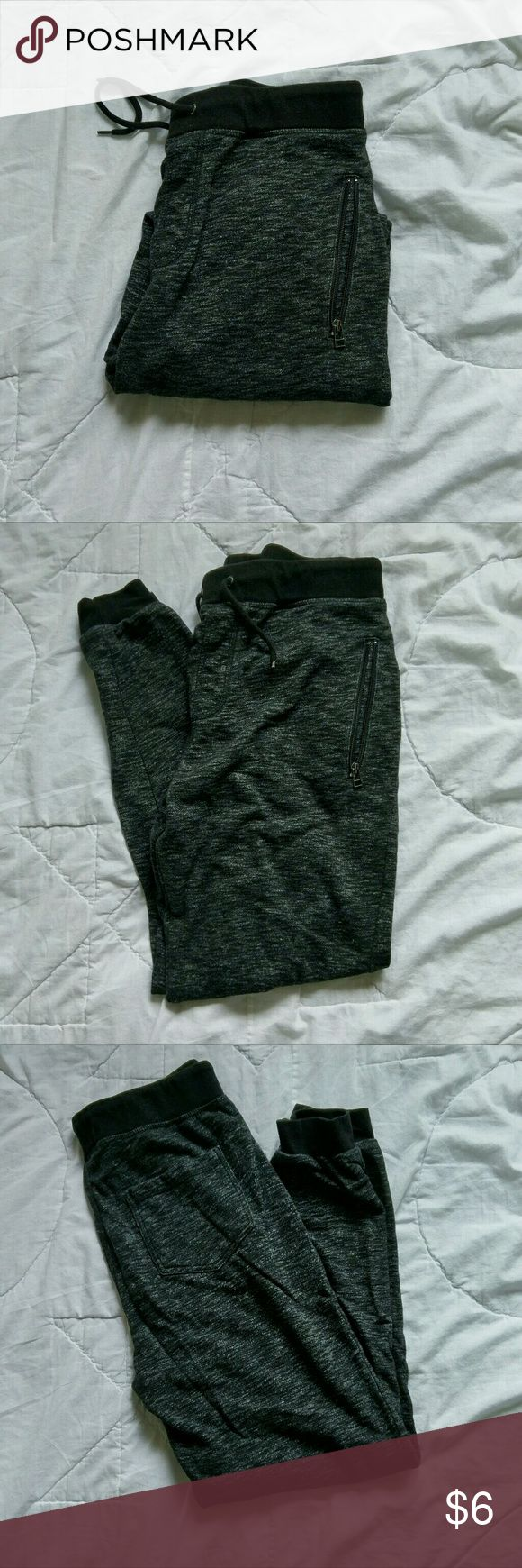 Medium Ocean Current joggers Black and white joggers that are very comfortable. They still look like new. Ocean Current Pants Sweatpants & Joggers