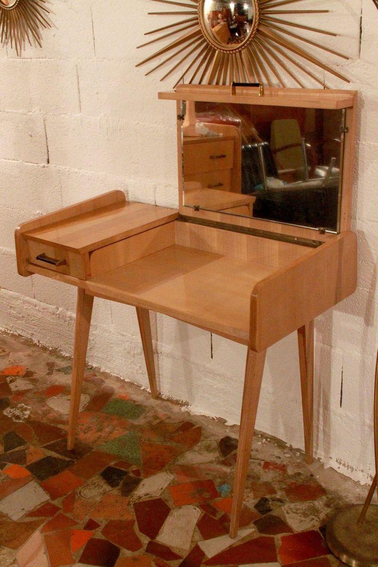 Chicbaazar objets Vintage 50-60-70 : Coiffeuse année 50 bois blond vintage