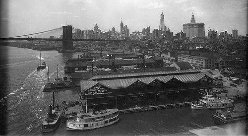 Brooklyn Bridge & the East River, 1913.