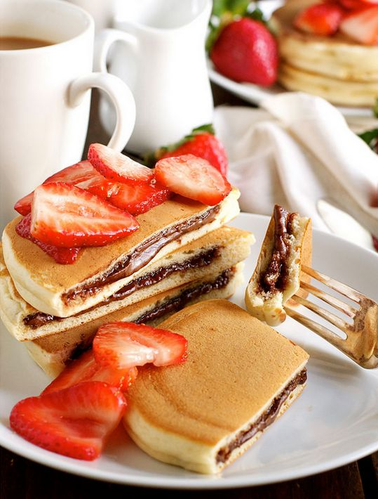 "delicious-food-porn: ""Nutella Stuffed Pancakes """