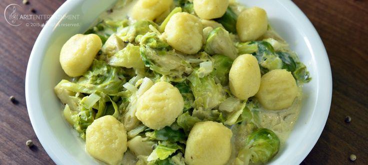 Rosenkohl und Maronen-Kartoffel Gnocchi in Mandelsahne