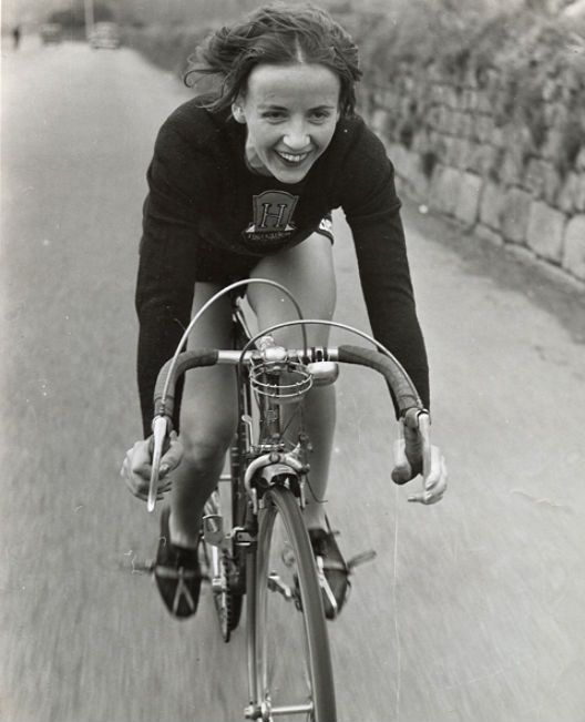 Eileen Sheridan, one of the most badass female cyclists of all time