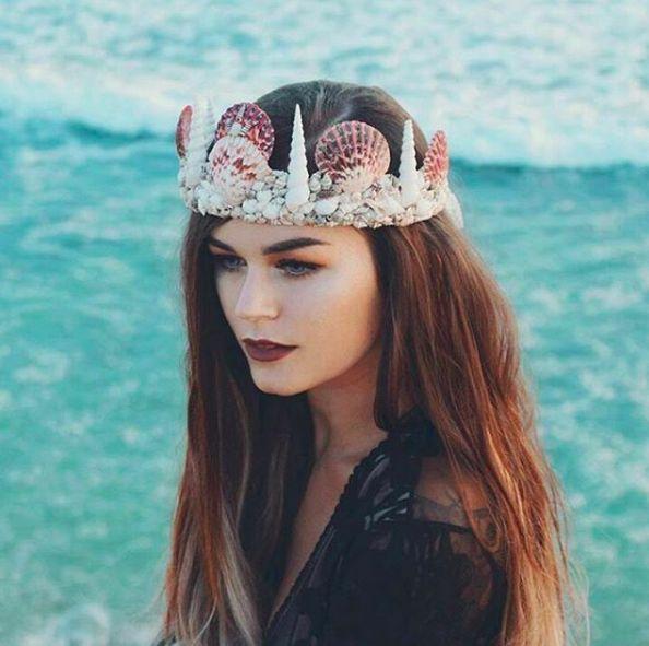 Se trata de las coronas de sirena. | Olvídate de las coronas de flores, esta nueva tendencia llegó para quedarse