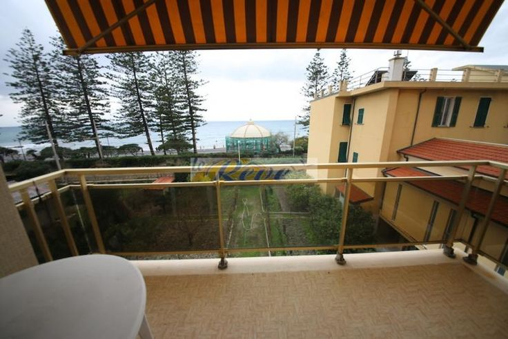 Property for sale in Liguria, Imperia, Bordighera‎, Italy - http://www.italianhousesforsale.com/view/property-italy/liguria/imperia/bordighera/4921894.html