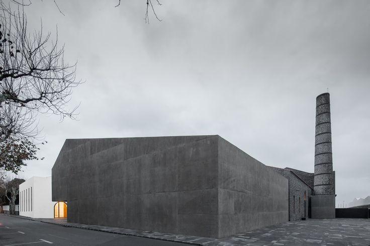 Gallery of Arquipélago – Contemporary Arts Centre / João Mendes Ribeiro + Menos é Mais Arquitectos - 7